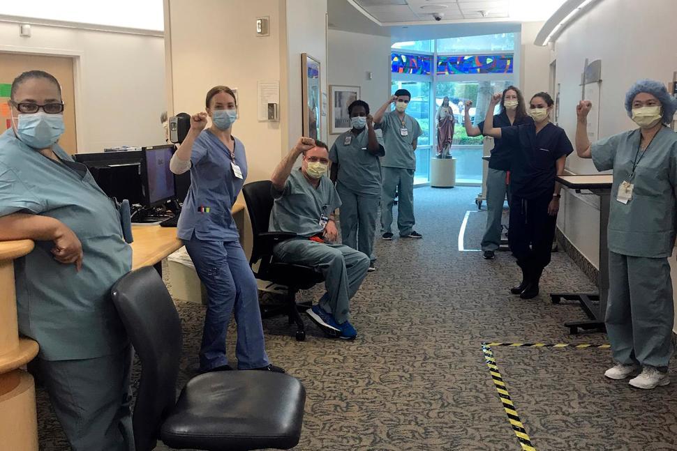 Hospital Reinstates Suspended Nurses Who Demanded Masks